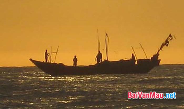 Bình giảng hai khổ thơ cuối bài thơ Đoàn thuyền đánh cá của Huy Cận