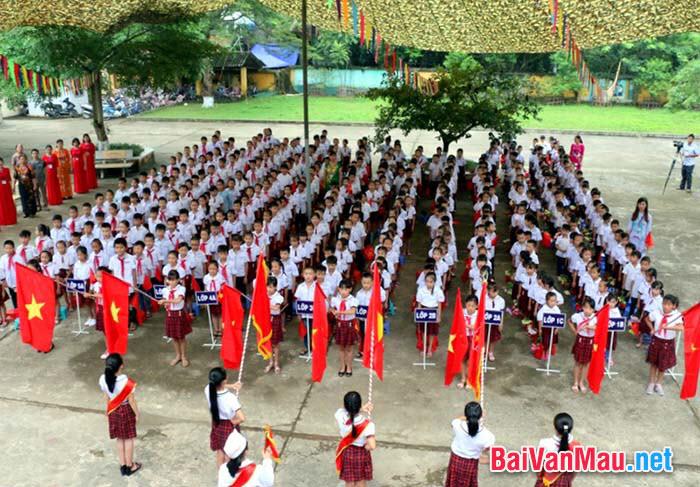 Văn miêu tả - Em hãy tả quang cảnh buổi lễ chào cờ vào thứ hai đầu tuần ở trường em