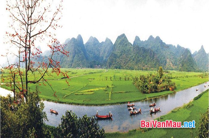 Phân tích bài thơ: Hương Sơn phong cảnh ca của Chu Mạnh Trinh