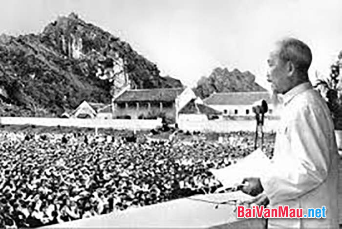 Phân tích tư tưởng quân sự của Hồ Chí Minh thể hiên qua Lời kêu gọi toàn quốc kháng chiến của Người