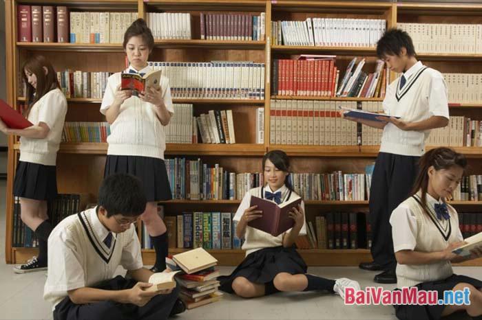 Văn nghị luận - Người Nhật ham đọc sách
