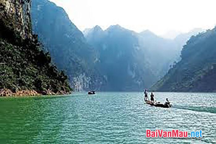 Phân tích hình tượng sông Đà trong tác phẩm Người lái đò sông Đà của Nguyễn Tuân