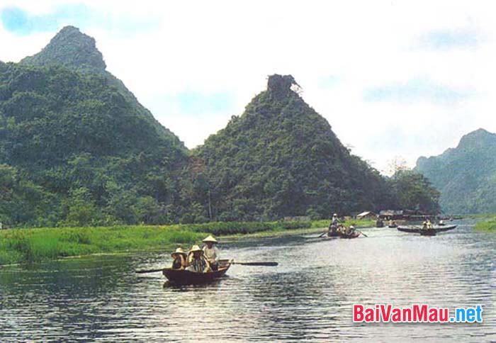 Anh / chị hãy phân tích bài thơ Hương Sơn phong cảnh ca của Chu Mạnh Trinh