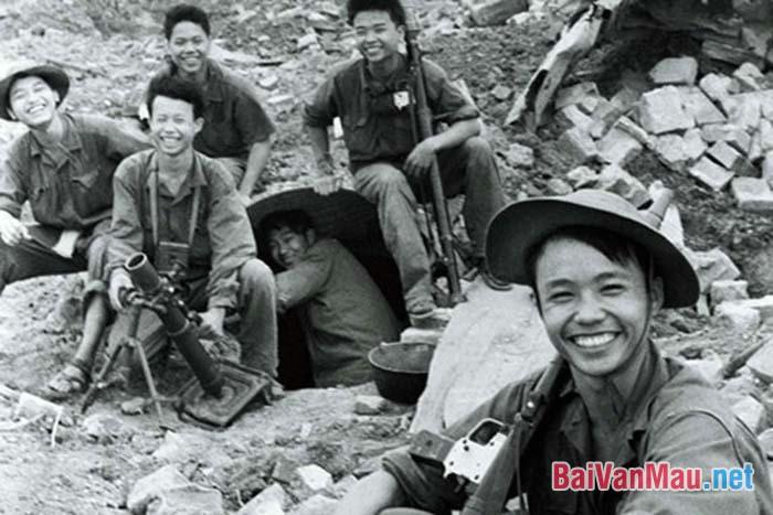 Hãy phân tích truyện ngắn Những đứa con trong gia đình của Nguyễn Thi