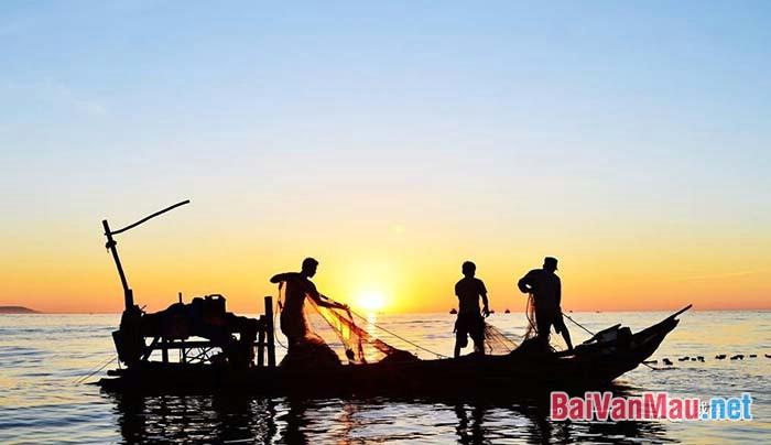 """Phân tích ý nghĩa chi tiết bức ảnh trong truyện ngắn """"Chiếc thuyền ngoài xa"""" của Nguyễn Minh Châu"""