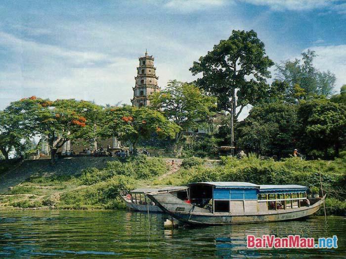 Sông Hương và cái tôi nghệ sĩ tài hoa Hoàng Phủ Ngọc Tường