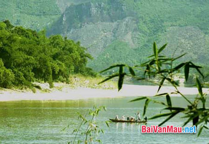 Anh / chị hãy phân tích bài Ai đã đặt tên cho dòng sông, tác giả Hoàng Phủ Ngọc Tường