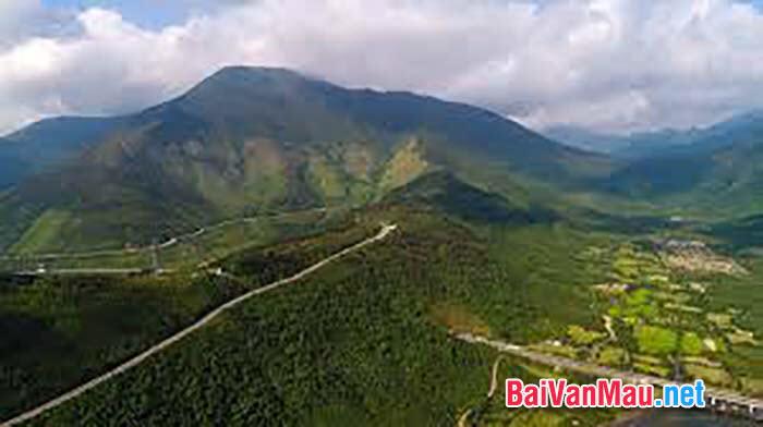 Phân tích bài Qua đèo Ngang của Bà Huyện Thanh Quan