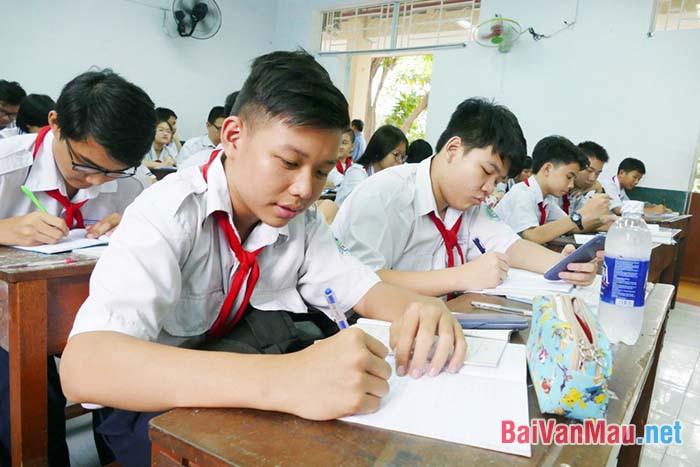 Là học sinh còn ngồi trên ghế nhà trường em đã, đang và sẽ học tập làm theo Bác như thế nào để xứng đáng là cháu ngoan của Bác?