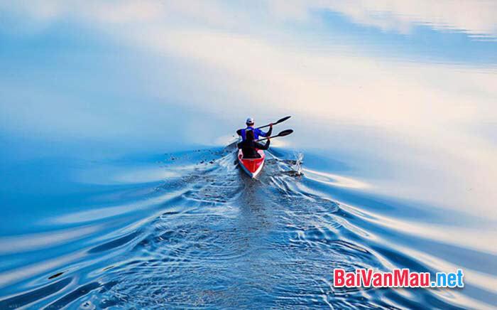 Chứng minh tính đúng đắn của câu tục ngữ Chớ thấy sóng cả mà ngã tay chèo