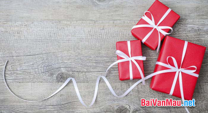 Viết đoạn văn ngắn biểu cảm về nỗi nhớ một người bạn hoặc niềm sung sướng khi được nhận món quà bất ngờ