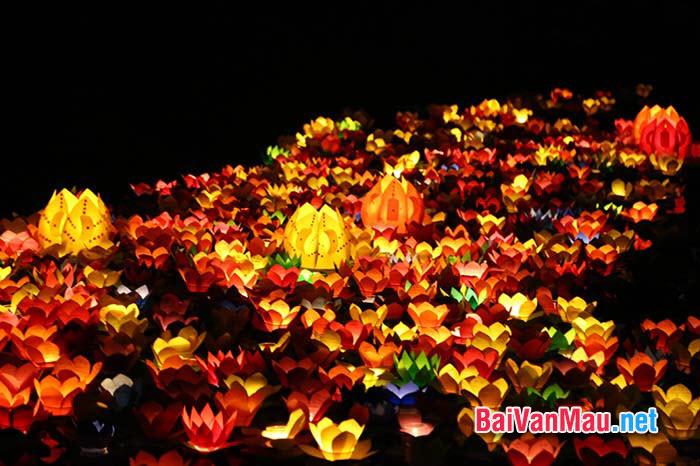 Chứng minh bài thơ Rằm tháng giêng của Hồ Chí Minh là cả một sự hòa quyện đẹp